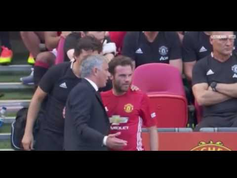 Juan Mata reaction to  Mourinho substituting him in Community Shield Final vs Leicester city