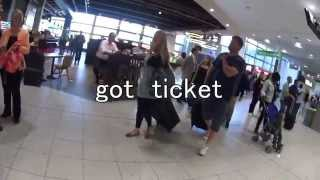 London Gatwick Airport  how to go to the station ガトウィック空港での電車の乗り方