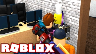 HOLDING HOSTAGES IN ROBLOX MURDER MYSTERY 2!!
