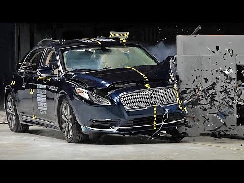 Lincoln Continental 2017 Crash Test