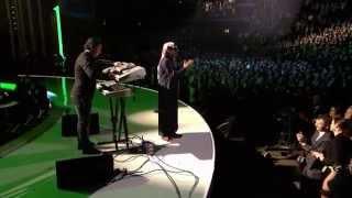 """Omar Souleyman """"Salamat Galbi Bidek"""" - 2013 Nobel Peace Prize Concert"""