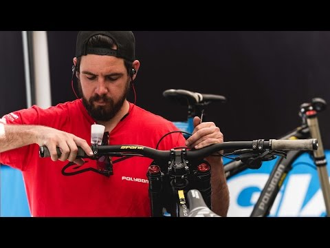 Inside a DH World Cup Mechanic's life I...