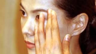 江角 マキコ(えすみ マキコ、1966年12月18日 - )は、日本の女優、タレ...