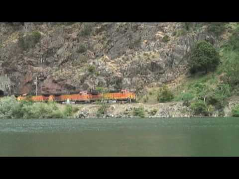 Bnsf manifest honeymoon tunnels california youtube for Honeymoon locations in california