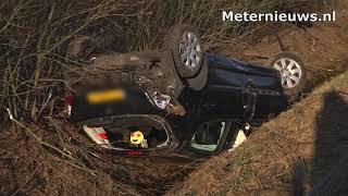 Vrouw gewond na crash op A37 bij Zwinderen