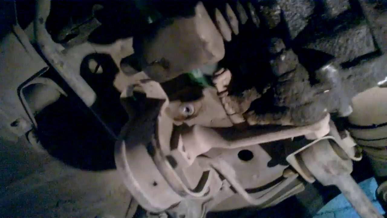 Замена сцепления ВАЗ 2110 без снятия коробки и слива масла 26