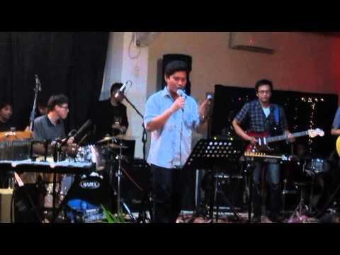 Itu Namanya Cinta - Band yang Tertukar ft. Reinhard at EXIT Mini Concert