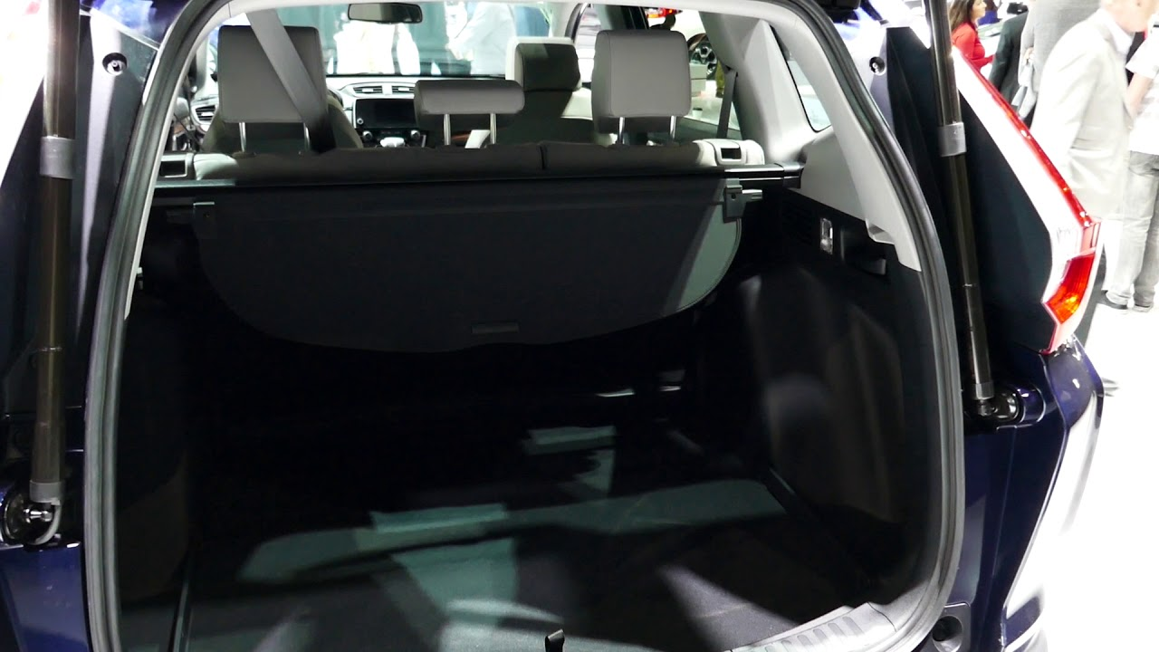 New 2018 Honda CR V SUV   Checking Cargo Area Space   2017 LA Auto Show,  Los Angeles CA