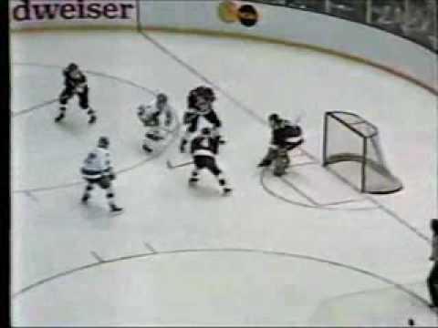 UND Hockey 1987 - Sioux vs Harvard in semies