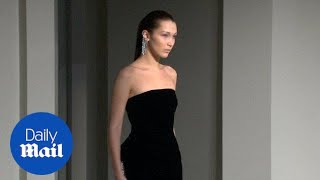 Bella Hadid struts down runway for Oscar de la Renta show - Daily Mail