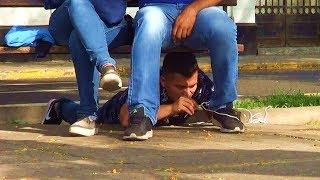 Atando gente en la calle | BROMA ÉPICA - CMTV