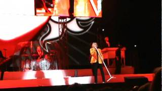 Rod Stewart- First Cut Is The Deepest- velez 2011.MPG