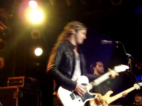 Casey James in Macon GA at the Whiskey River part 1