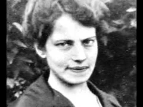 Anna Anderson (Anastasia Romanov)
