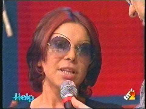 """Malaisa, 2000, dal vivo @ Help, con Ice One, canta """"Più Potente"""", da Metamorfosi di Liriche"""