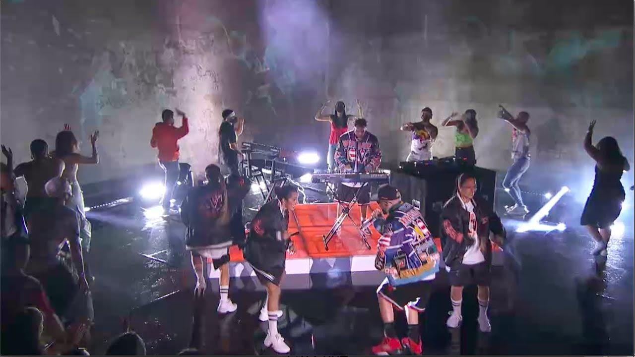 DEJA VU - Tainy, Yandel (Live at Premios Juventud)