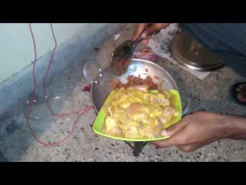 Chicken Curry | Easy And Simple To Make In Hostel | Minimum Material | Chicken Gravy | Simplest