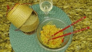 Whisper/eating Thai Papaya Salad & Sticky Rice Asmr ส้มตำ