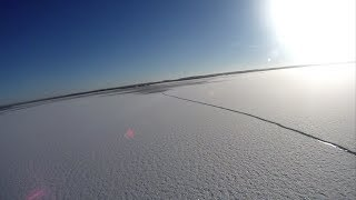 Repeat youtube video Сноу-Кайтинг по шершавому озеру