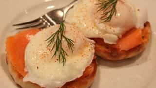 Smoked Salmon Eggs Benedict - Hollandaise Free Version!