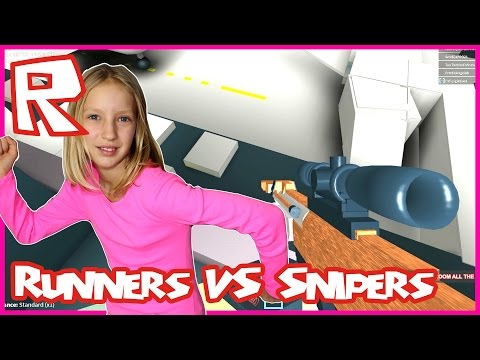 Run As Fast As You Can / Roblox Runners vs Sniper