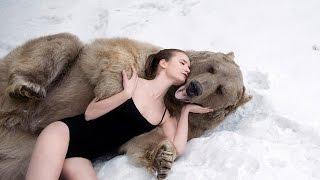 Англичане в шоке от съемок русских моделей в обнимку с медведем