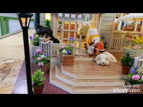 DIY  Queen Town dollhouse