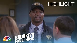 Brooklyn Nine-Nine - Terry Loves Walls (Episode Highlight)