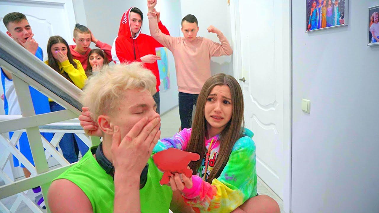 ¡Los muchachos no compartieron a Diana! Los adolescentes aman!