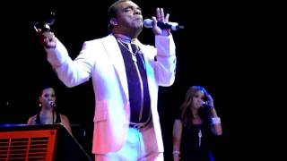 "Ronald Isley live in Houston, Tx 2010 ""choosey lovers"""