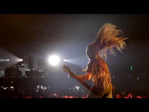 KORN Play First Show With 12-Year-Old Son Of Metallica Bassist Robert Trujillo, Bogota 2017 04 17