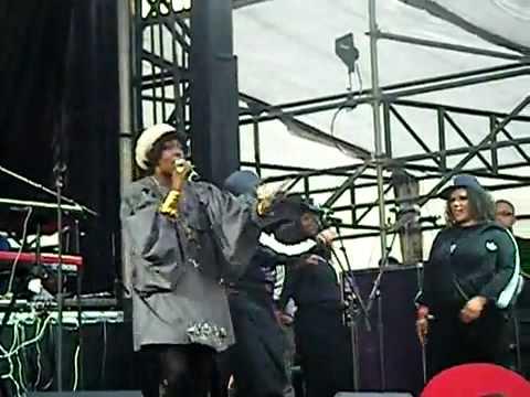 YouTube   Lauryn Hill The Fugees Ooh La La La LIVE 8 28 10 Rock The Bells NYC Governor's Island