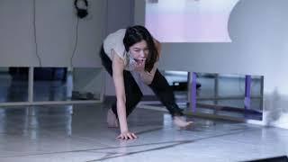 Download Video Kaya Hanasaki,〈跨越可見的喋喋不休〉(Across the Visible Babbling),臨場行為Live art,2019 MP3 3GP MP4