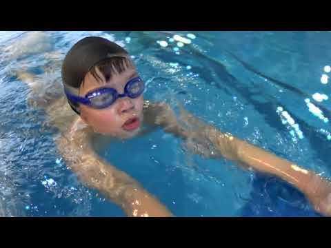 Детская тренировка по плаванию  7-9 лет
