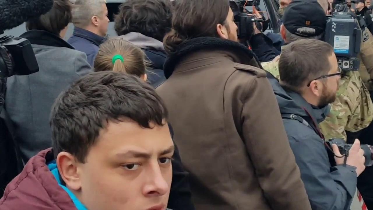 Жена Вороненкова Мария Максакова на месте убийства