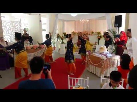 Attrians Singapore Performed Mak Inang Pulau Kampai - 27032016