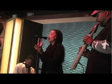 Ashleigh Smith (Interview) w Jazz Band K2K Performance-YouTube
