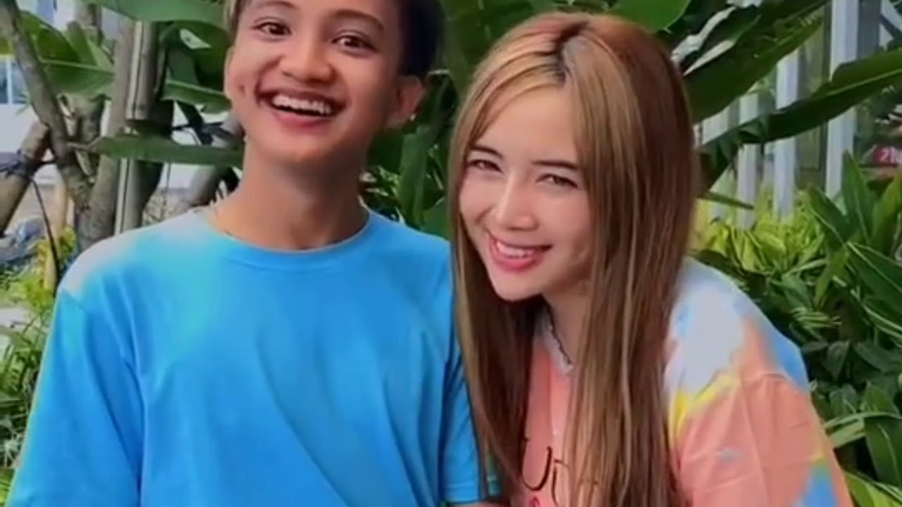 Tiktok Wahyu Kadeo Dan Tika Ola Romantis Bikin Baper Youtube
