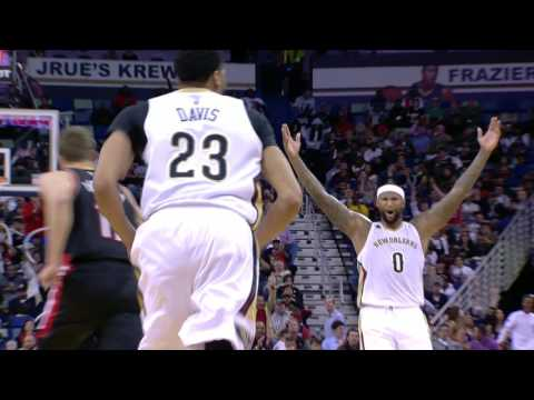 Anthony Davis With 180 DEGREE Alley Oop Dunk From DeMarcus Cousins! | 03.14.17