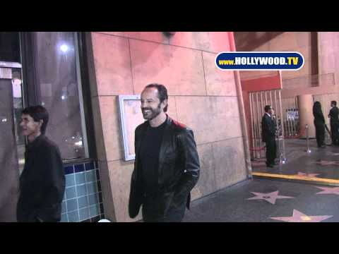 EXCLUSIVE: Gil Bellows Asks Who's Singing on