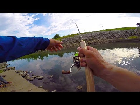 Using ULTRA Light Tackle For Big Fish!!