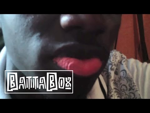 Crazy Fashion: Nigerian Men tattoo their lips pink!