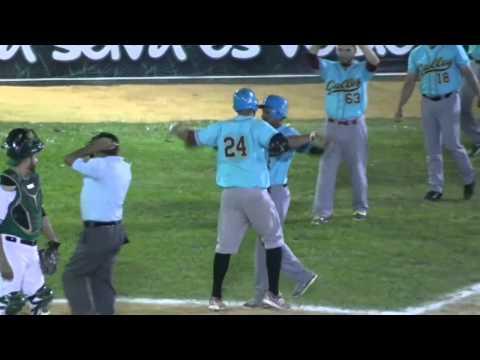 HomeRun de Jorge Guzman (5) de Gallos de Santa Rosa 08-01-2015