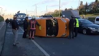 Ticari Taksi Bir Araca Çarparak Yan Yattı: 1 Yaralı