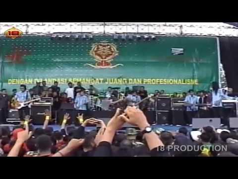 HEBOHH!! 'DEWI PERSIK' SAMPE MELOROT BEGINI .. Live Konser HUT KOSTRAD Ke 46 Malang