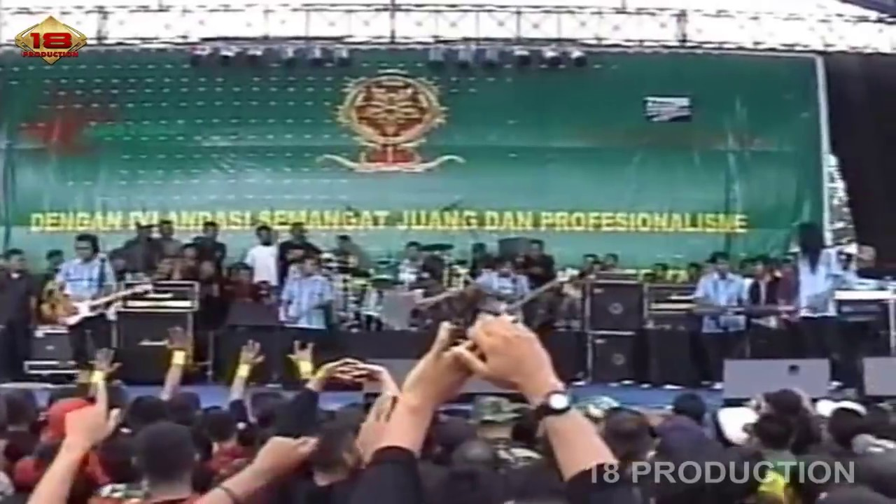 Download DEWI PERSIK - Mimpi Manis [Live Konser] HUT KOSTRAD Ke 46 Malang