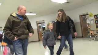 Soldier surprises daughter at school