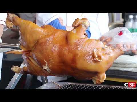 Roast a Whole Crispy Suckling Pig (Lechon) - GuangZhou street food(烤乳豬)
