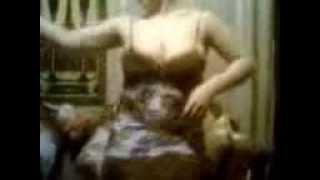 رقص منزلي ساخن رشام ام بزاز بيضه hot arab dance