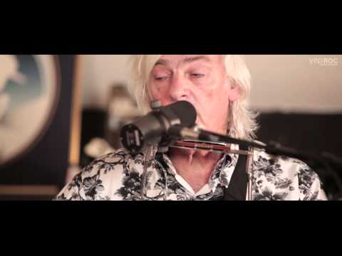 """Robyn Hitchcock & Emma Swift - """"Motion Pictures"""" (AmericanaFest 2014)"""